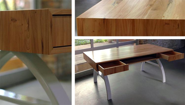 LAX desk