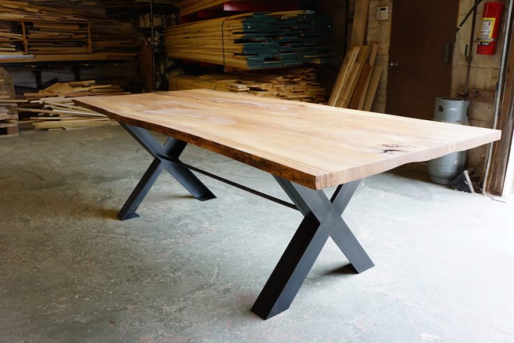 Superbe Green Bay Trail Live Edge Dining Table